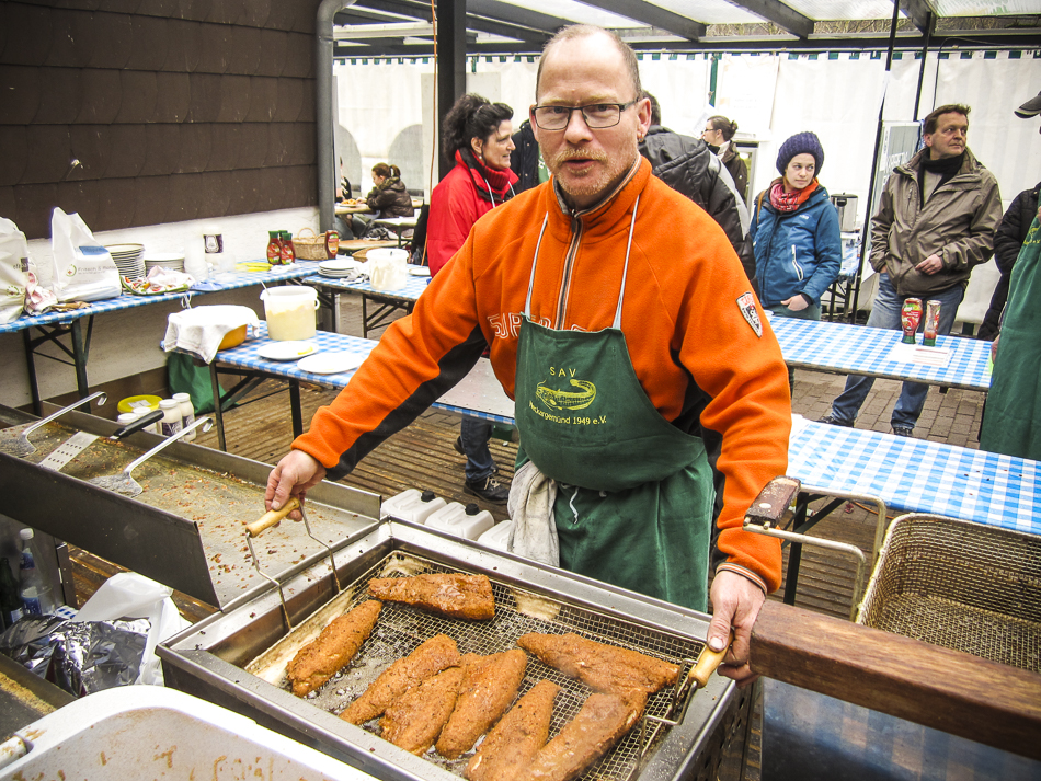Karfreitagsfischverkauf der Petrijünger ein voller Erfolg